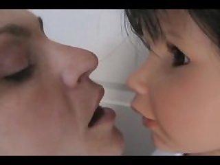 mom doll kiss 2