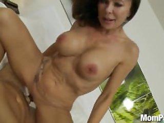 Hot Swinger Mom
