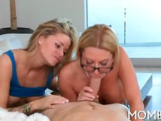 Erotic threesome drilling