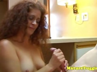 Plain homemade amateur milf tugging a dick