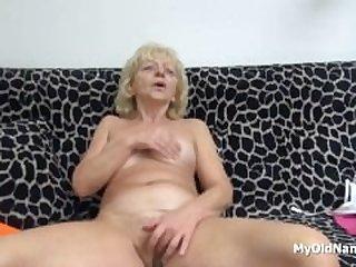 Wrinkly Grandma Pleasures Her Vagina