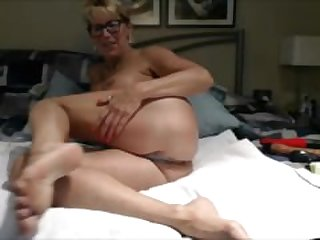 Granny Pussy and Feet 2