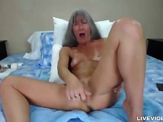 Mature webcam orgasm
