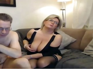 Mature mom have a webcam sex with big..