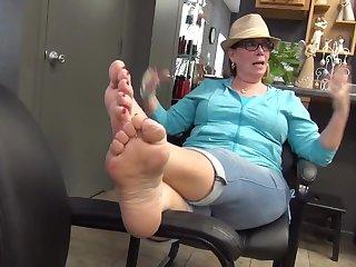 mature tasty feet