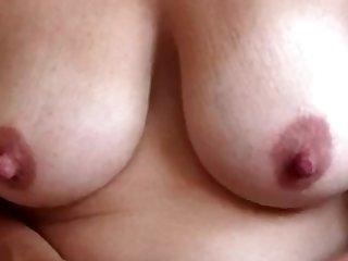 Op verzoek: de borsten van Marloes