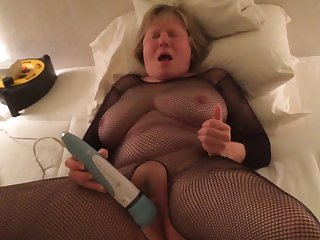 Bodystocking Mom gives herself a crazy..
