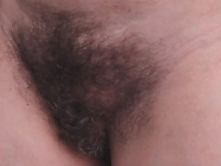 Mi cono peludo en ingles (My hairy pussy)