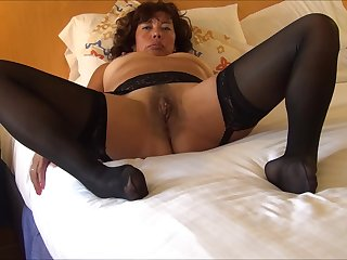 LYNN SHOW PUSSY IN BLACK STOCKINGS