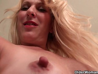 Office milfs Eva and Shelby give their..