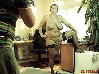 Mature slut on porn casting