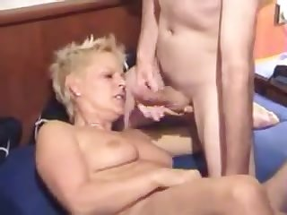Amateur - Short Hair Mature DP Threesome