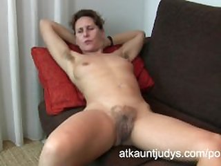 Hairy granny emanuelle spreads her swollen pussy - 1 4