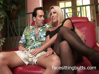 Chelsea is a horny blonde mature in need..