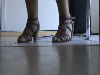 Friend'sfeet under the desk 5