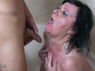 Mature nympho mom loves creampie and pee