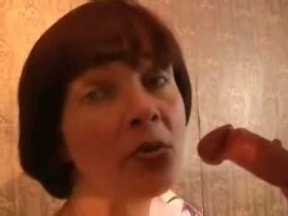 madura se masturba y folla