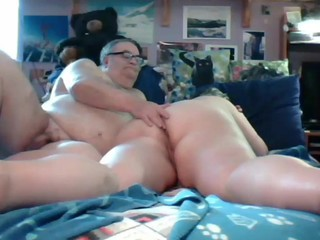 grandpa and grandpa play on cam