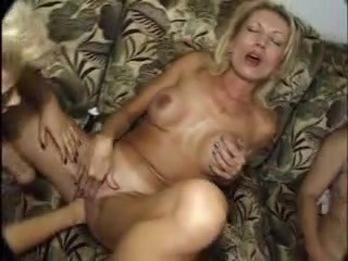 Seious fisting by three mature lesbians