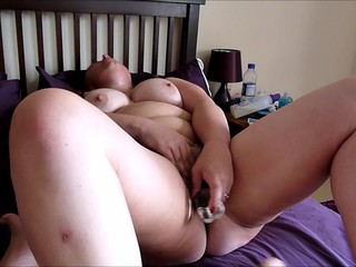 Mature wife dildo & fuck