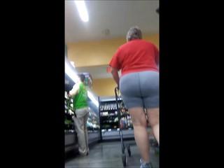 Huge booty Grannies